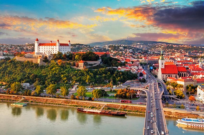 slovakiya-tour-bus-main