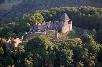 zamki-zakarpatja_nev-castle3